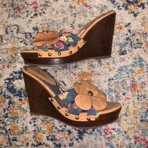 2/$20 Wanted Floral Wedge